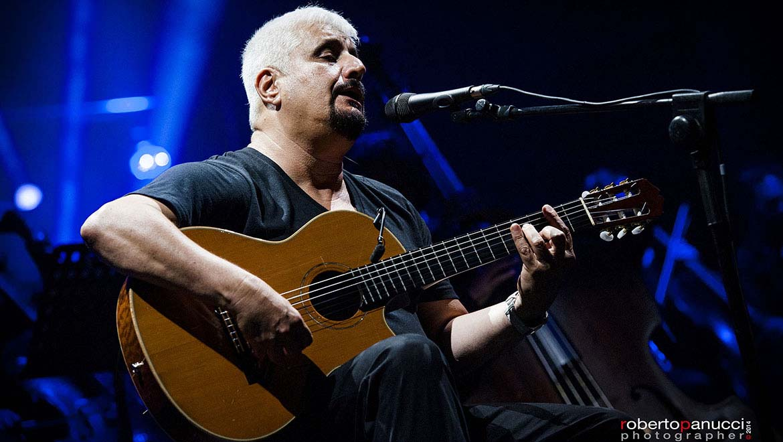2014-10-31-Italian-Superstar-Pino-Daniele-Chooses-DPA-Microphones-L-1.jpg
