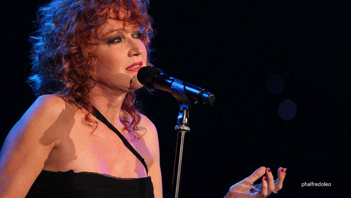 2015-09-24-Italian-Superstar-Fiorella-Mannoia-Sound-Even-Sweeter-With-DPA-L-1.jpg