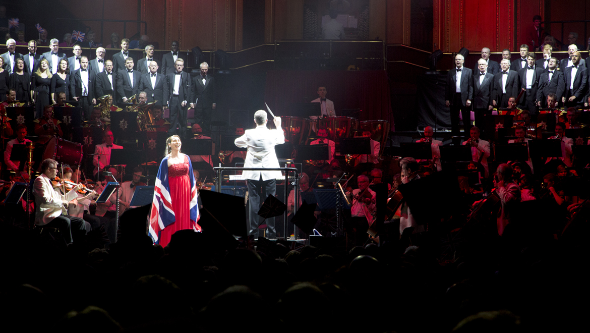 Royal Albert Hall used d:fine™ Omnidirectional Headset Microphones to amplify the sound of the show's two stars.