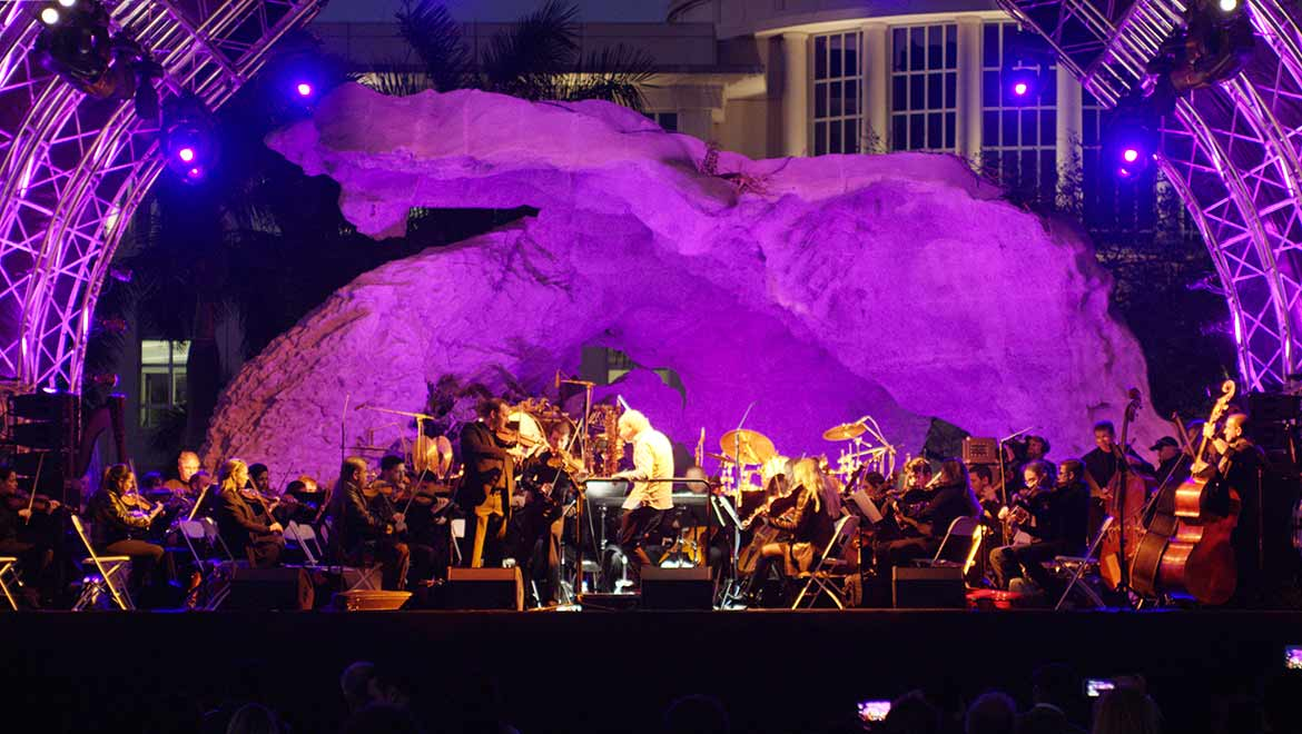 dpa-microphones-headlines-a-special-night-of-music-with-the-forbidden-saints-and-miami-symphony-orchestra-l-1.JPG