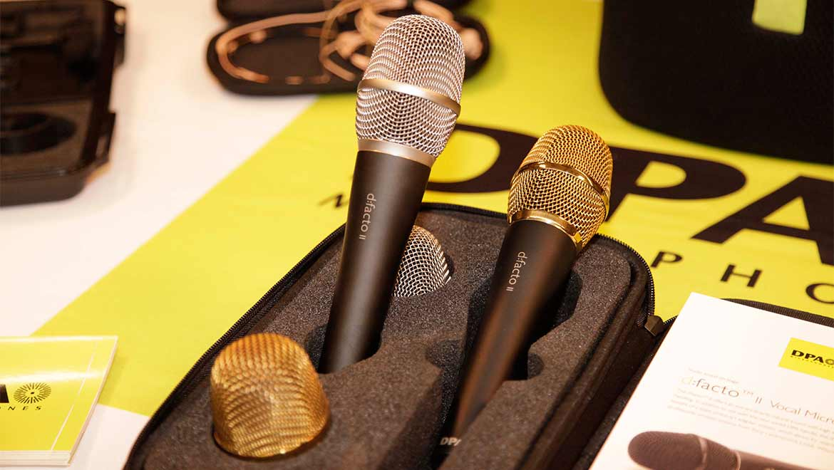 d:facto™ Vocal Microphone with nickel and gold grid