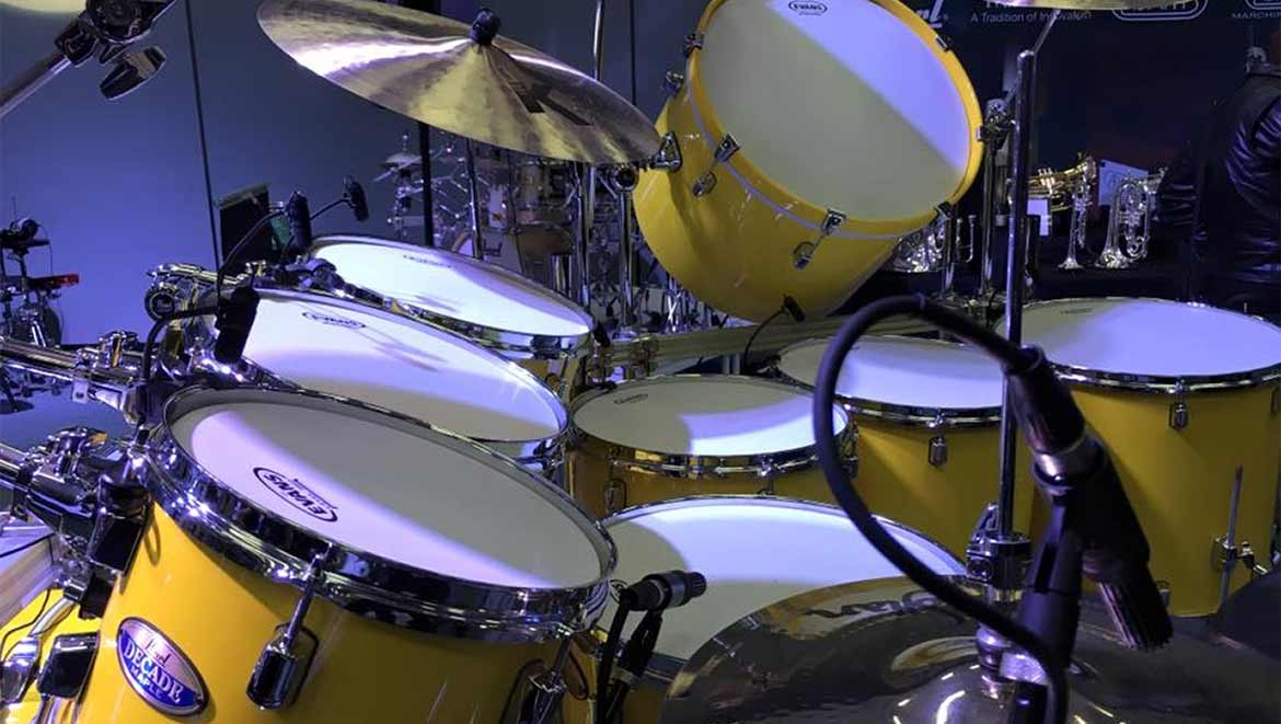 dpa-microphones-teams-up-with-pearl-drums-for-dennis-chambers-solo-performance-at-namm-2016-L-1.JPG