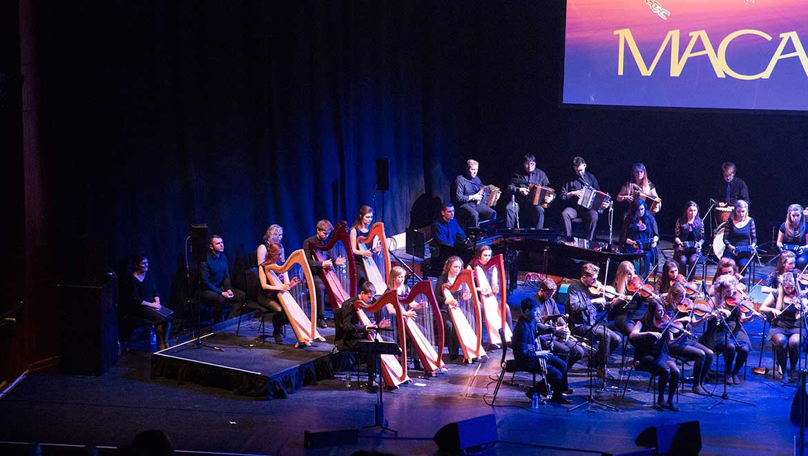 national-folk-orchestra-of-ireland-with-dpa-l-2.jpg